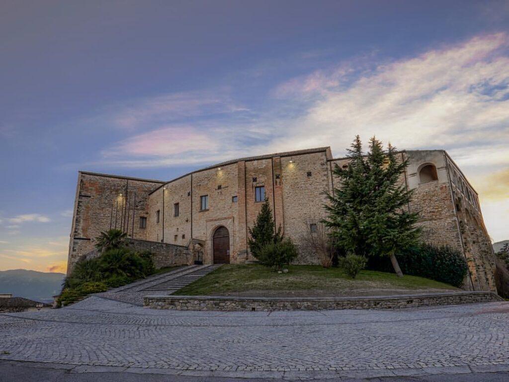 Castelli D'Abruzzo - Castello di Stesrlich Aliprandi - Nocciano (PE)